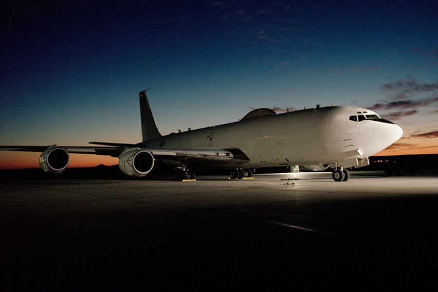 Navy S Doomsday Plane Hits A Bird Suffers 2m In Damages