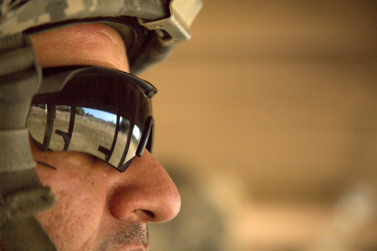 army eyes adjustable eyewear for day  night conditions