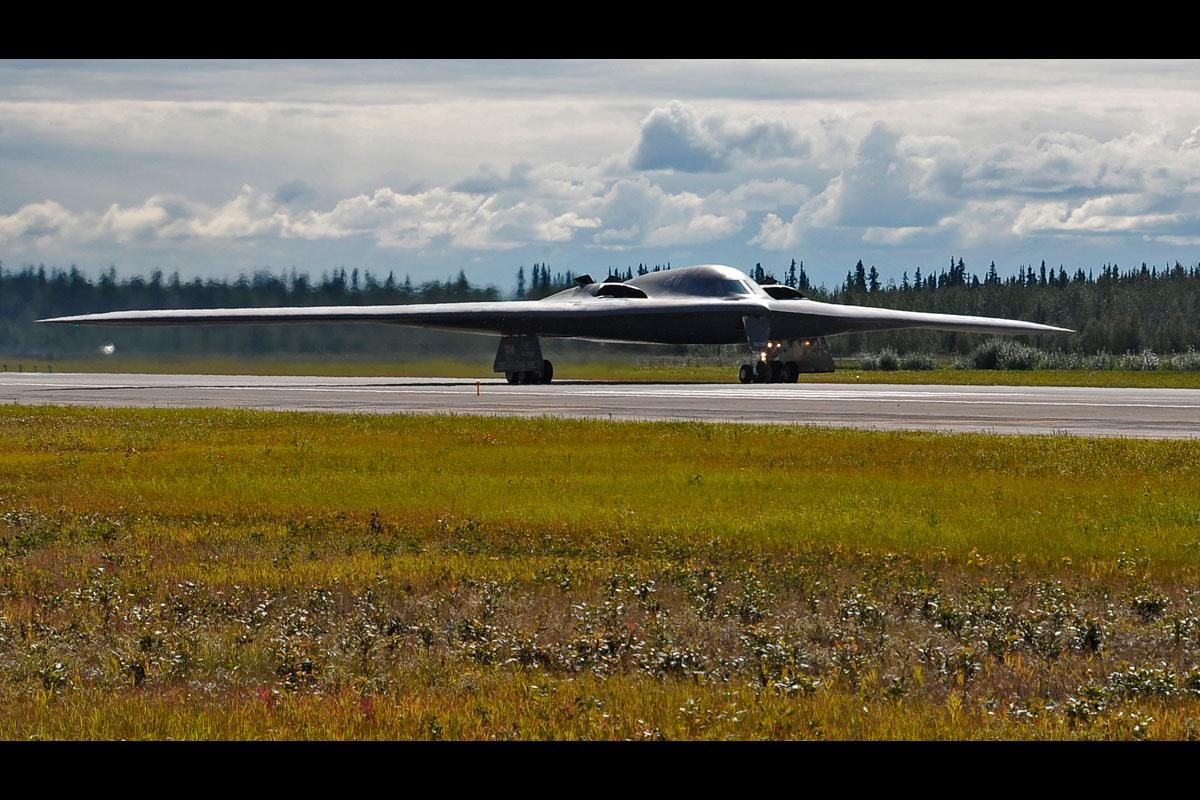 B 2 Spirit Military Com