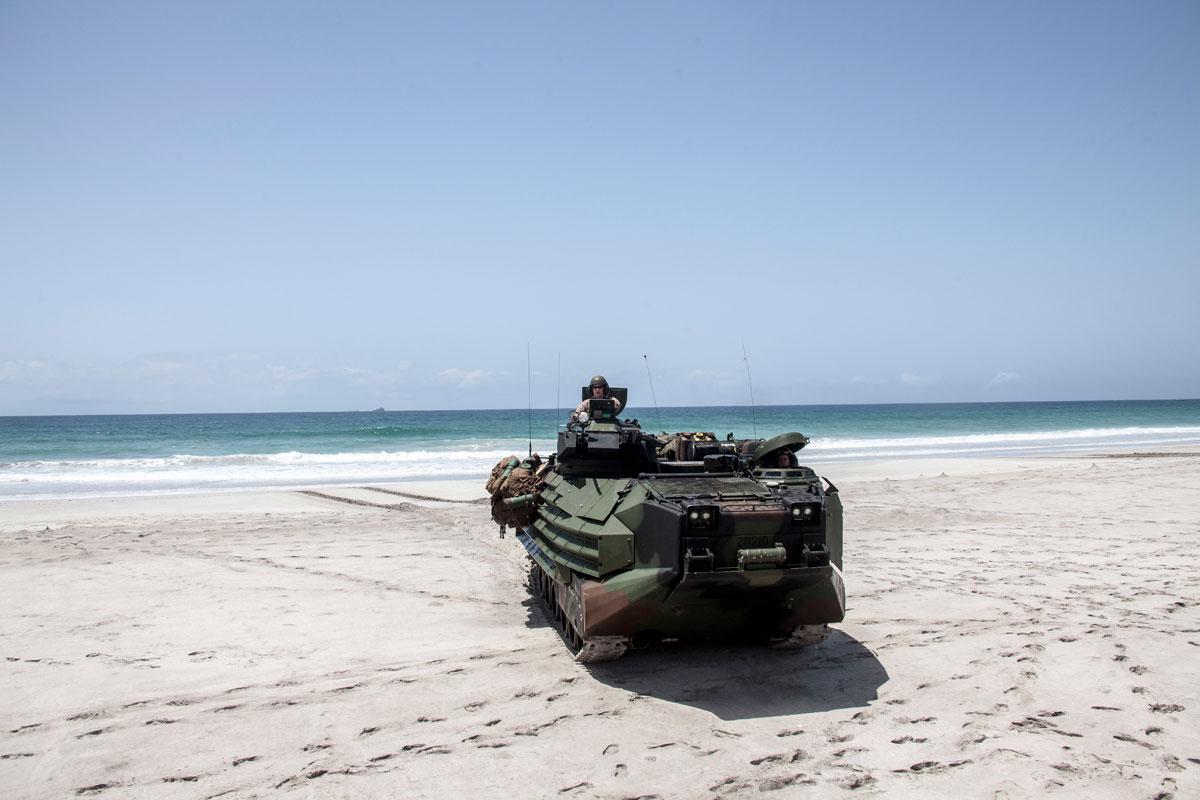 Aav7 Amphibious Assault Vehicle Military Com