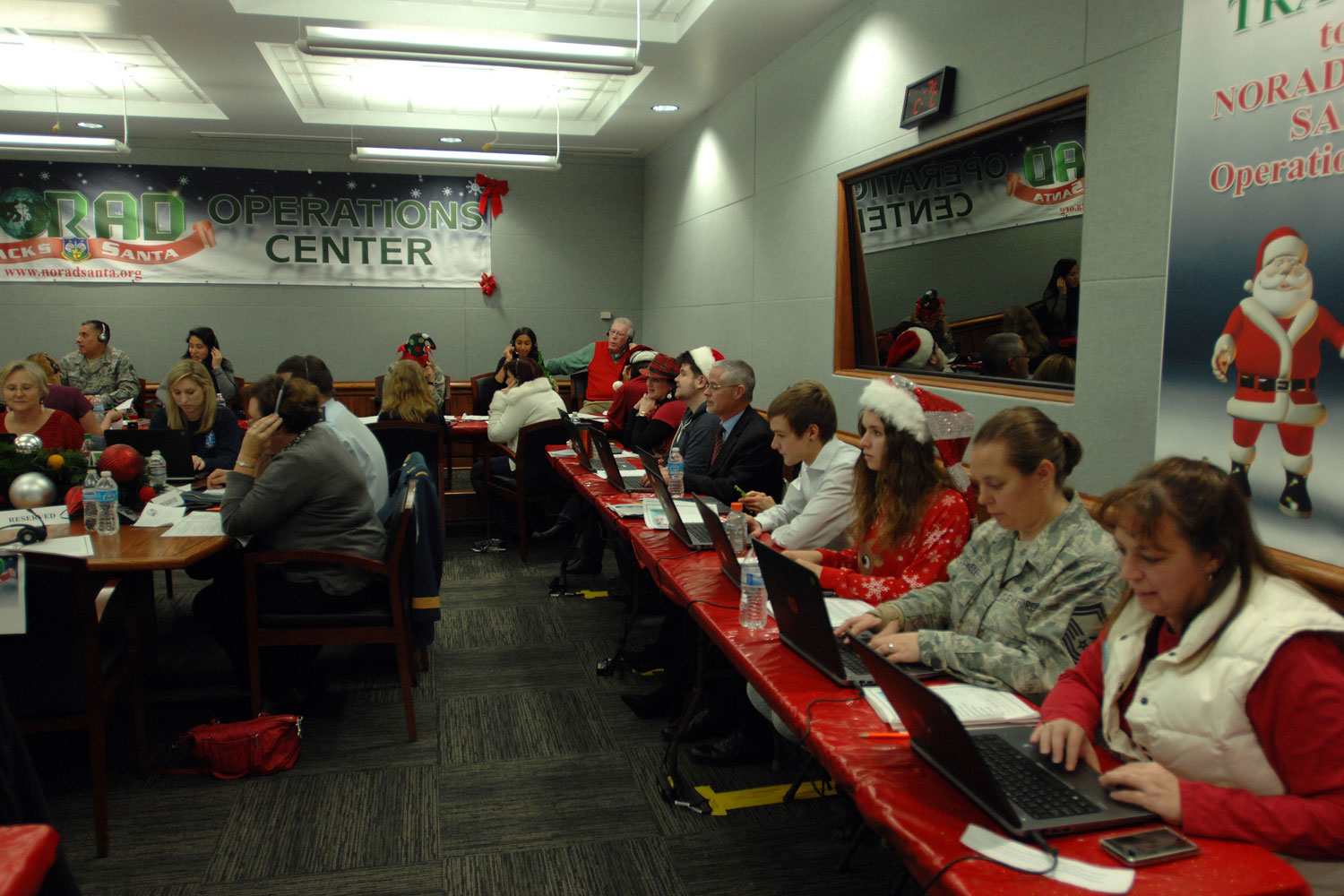 NORAD\'s Santa Tracking Operation Grows Larger Every Year | Military.com