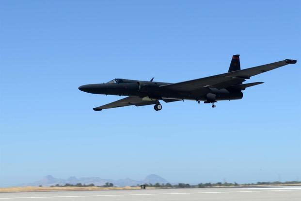 A U-2 Dragon Lady prepares to land Aug. 31, 2016, at Beale Air Force Base, California. (U.S. Air Force/Senior Airman Ramon A. Adelan)