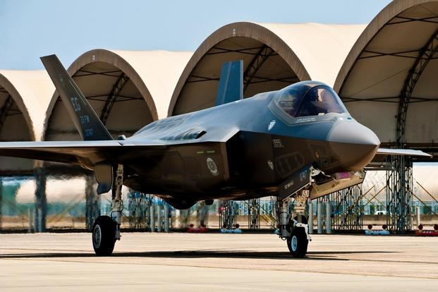 An F-35 Lightning II joint strike fighter taxis across the 33rd Fighter Wing flightline at Eglin Air Force Base, Fla., July 14, 2011. (U.S. Air Force/Samuel King Jr.)
