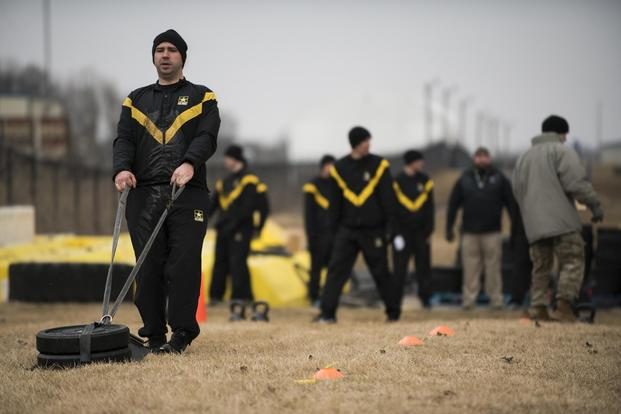 U.S. Soldiers with the Indiana Army National Guard take the new Army Combat Fitness Test (ACFT) at the 122nd Fighter Wing in Fort Wayne, Indiana, March 15, 2019. (U.S. Air National Guard/Tech. Sgt. William Hopper)