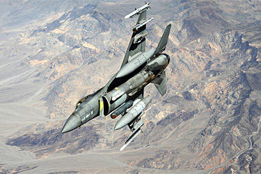 Iraq Signs Deal for F-16 Fighters