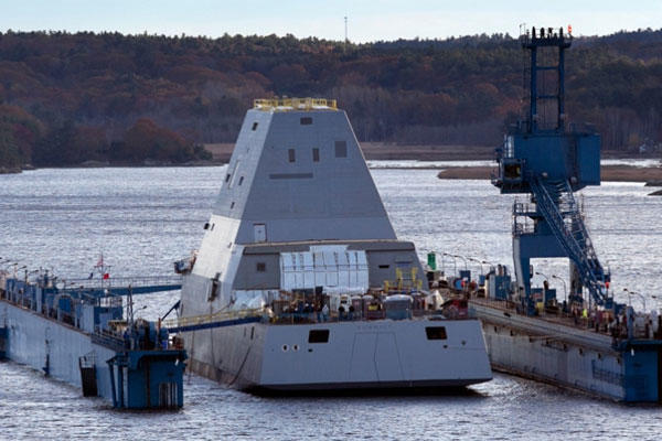 Navyu0027s New Destroyeru0027s Seaworthiness, Stability Questioned