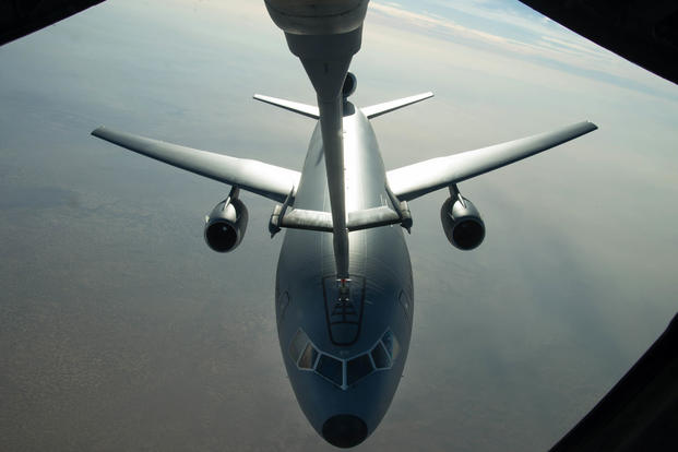 A U.S. Air Force KC-10 Extender refuels near Mosul, Iraq, on Nov. 20, 2016. (U.S. Air Force photo/Staff Sgt. R. Alex Durbin)