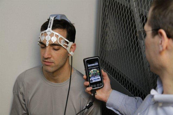 The Ahead 200 uses commercial smartphone technology to analyze a patient's brain activity for signs of a traumatic brain injury within 24 hours of the injury.(U.S. Army photo)