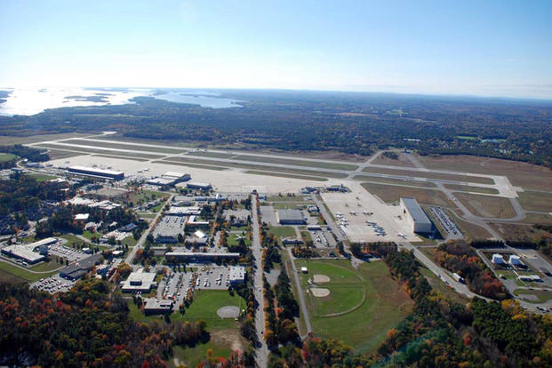 Aerial view of the U.S. Naval Air Station Brunswick, Maine (USA), on 20 October 2008. (Photo: U.S. Navy/Mass Communications Specialist 2nd Class David Hewitt)