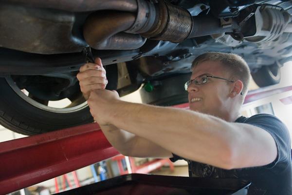Auto Repair: Jump-Starting Diesel Batteries | Military com