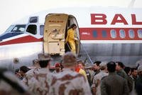 Maj. Rhonda Cornum steps off the plane upon her release from Iraqi captivity, March 6, 1991, during Desert Storm. (U.S. Army)