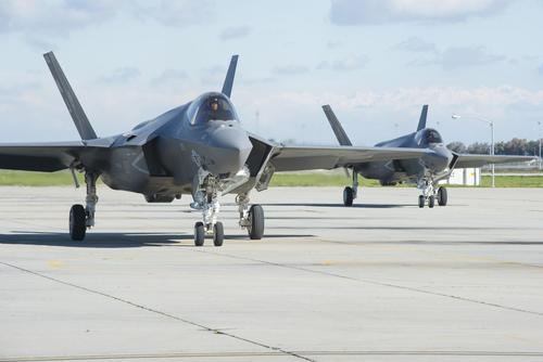 An F-35C Lightning II joint strike fighter aircraft taxis across the flight line at Naval Air Station Lemoore, Calif. (U.S. Navy/Mass Communication Specialist 3rd Class Zachary Eshleman)