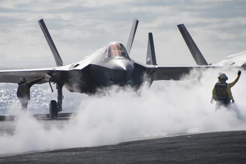 An F-35C performs flight operations aboard the USS Carl Vinson, December 7, 2018 (U.S. Navy/Seaman Apprentice Ethan Soto)